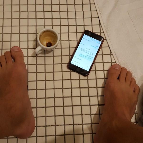 Bathroom Selfies The Psychology Of What Makes People Tick Selfieyo